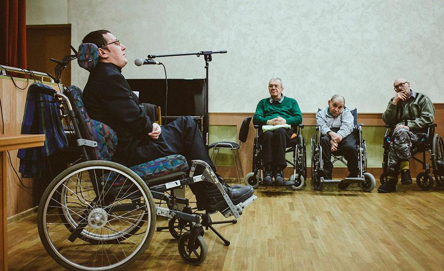 Александр Макарчук посетил Дом-Интернат для престарелых и инвалидов №2