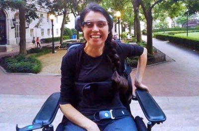 Как очки Google Glass помогли парализованной девушке